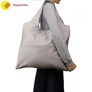 Custom Eco-friendly foldable polyester wholesale tote bags with handles.